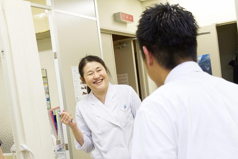 循環器内科の専門医女性の院長が診療します